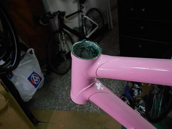 粉紅colnago 組裝-25.JPG