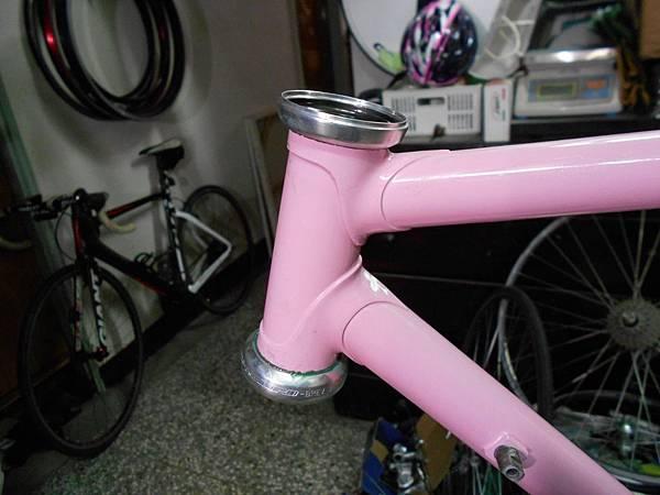 粉紅colnago 組裝-28.JPG