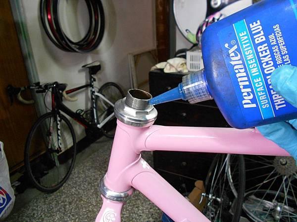 粉紅colnago 組裝-29.JPG