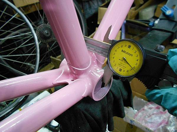 粉紅colnago 組裝-35.JPG