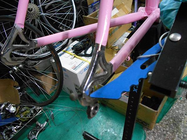 粉紅colnago 組裝-42.JPG