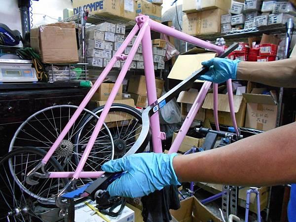 粉紅colnago 組裝-41.JPG