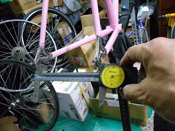 粉紅colnago 組裝-45.JPG