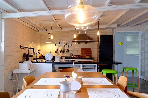 開放式廚房-客廳(1).JPG