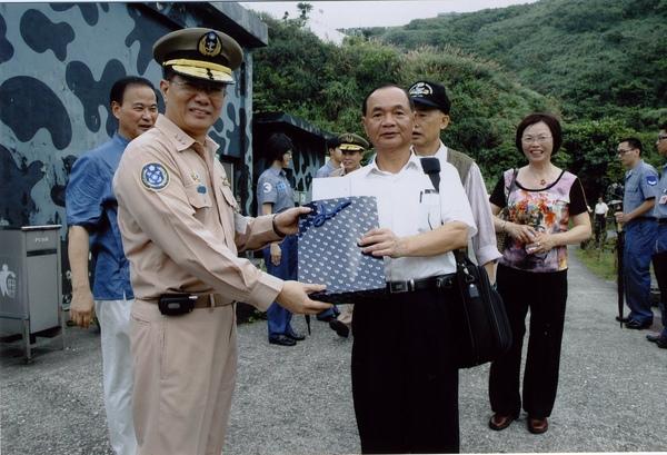 58年班同學會-海軍司令王立申上將與巫中榮同.jpg