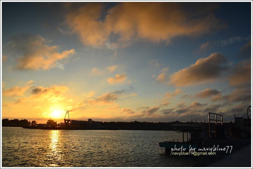 東石漁港16.JPG