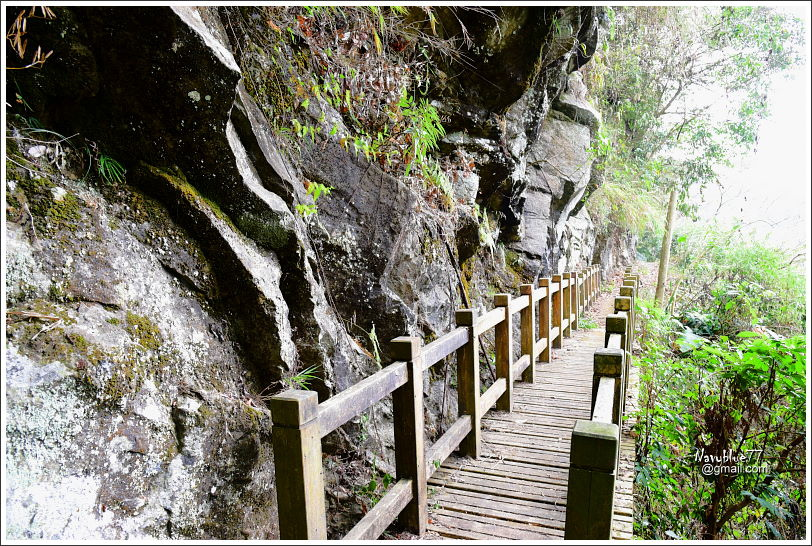 里佳觀瀑步道