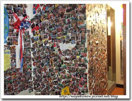 貼滿照片的牆