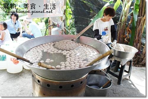 一大鍋的魚丸
