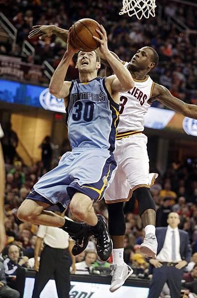 NBA賽程/柯比打鐵、書豪低迷 湖人吞3連敗