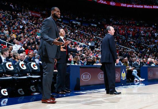 NBA季後賽左膝背部拉傷 騎士宣佈詹姆斯休戰兩周