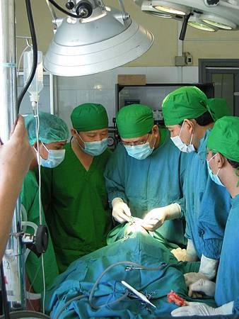 Dr.Lo visit Dr.Vanna & NPH team