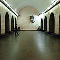 地鐵乘車月台,深具社會主義風格站