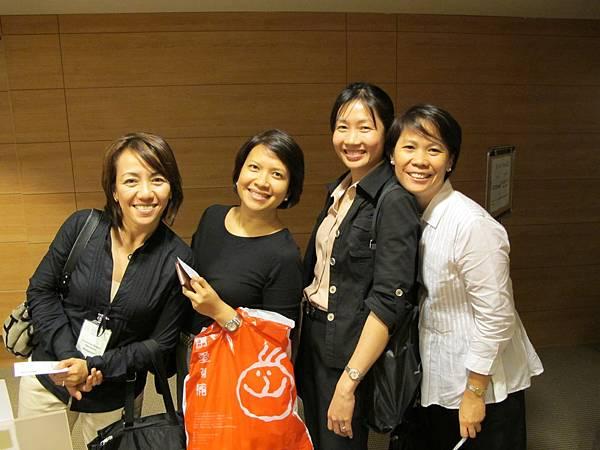 菲律賓醫療團隊合影