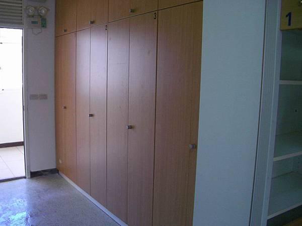 涵二的衣櫃置物櫃群