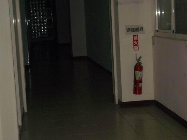 涵二停電時的走廊