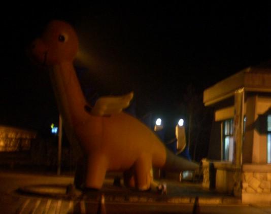 20061114志學門巨獸(夜間側面)
