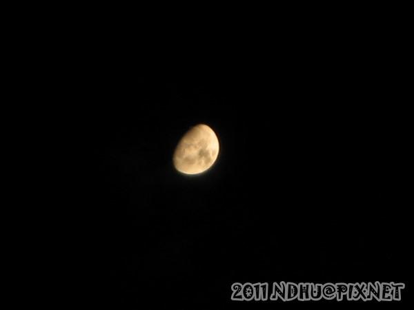 20110611_畢業典禮-夜景-月亮