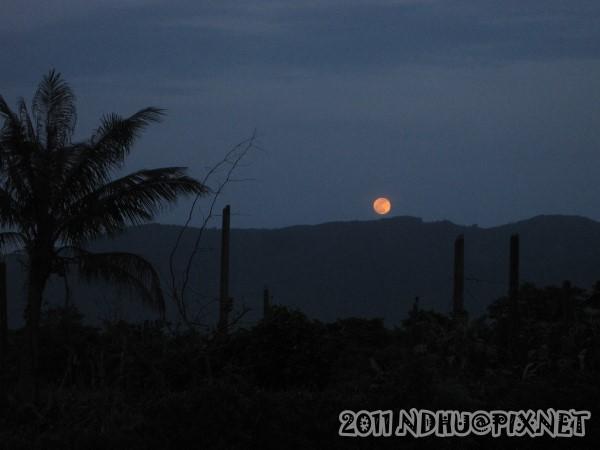 20110615_夜景-月圓(海岸山脈)