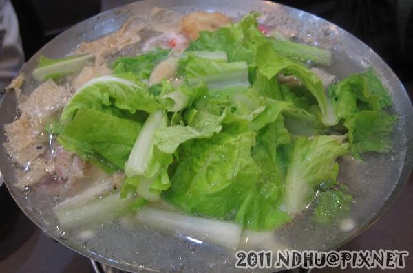20111031_大呼過癮臭臭鍋東華店_海鮮豆腐鍋100元