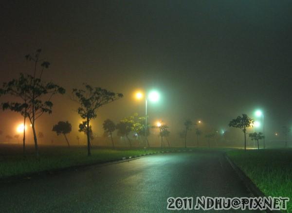 20111113_往工學院外環道車棚道路