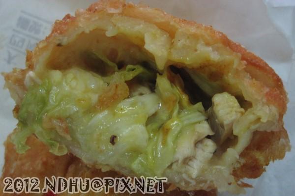 20120219_拔絲脆餅_咖哩雞肉40元內餡特寫