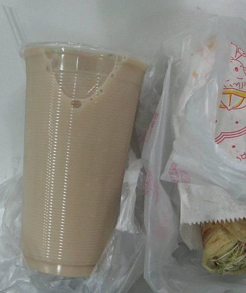 20120926_Mom Kitchen_鮮奶紅茶35元