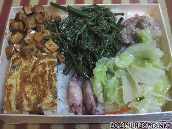 20120613_宜親木盒便當_經濟飯包50元