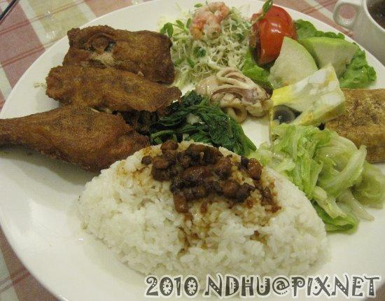 20100801_美味關係雞腿飯(附湯)100元