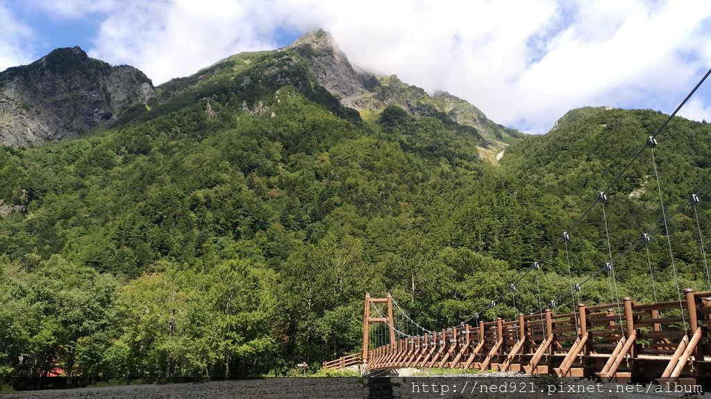 上高地-明神岳、明神橋.jpg