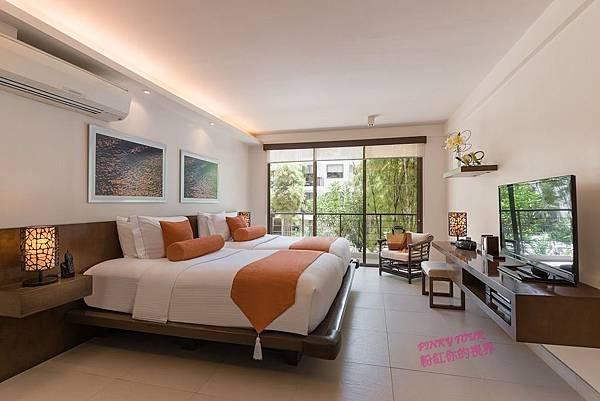 1-Bedroom-Suite_bedroom1.jpg