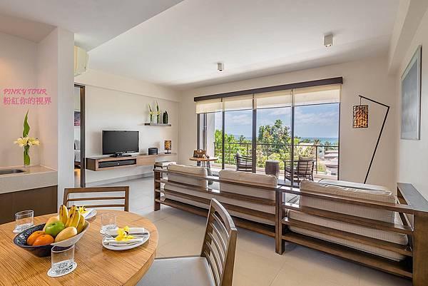 2-BR-Suite_living-room1.jpg