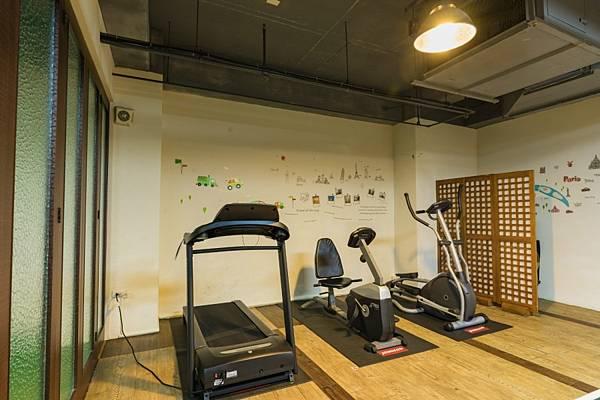 簡易健身房