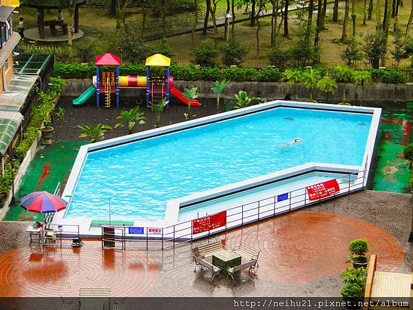 社區泳池.JPG