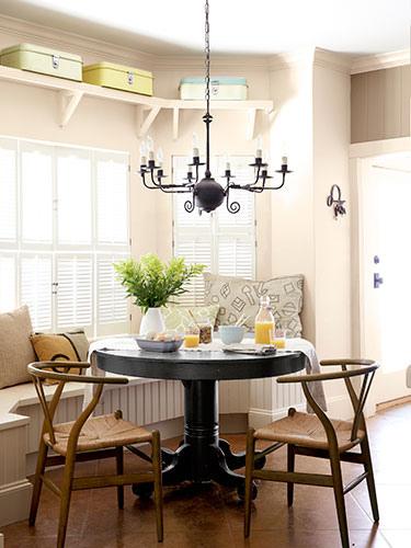 01-deep-in-the-heart-of-texas-dining-room-0913-lgn-GRkxUU-16352468
