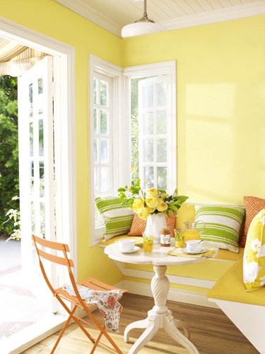 01-on-the-sunny-side-breakfast-nook-0710-lgn-95130195