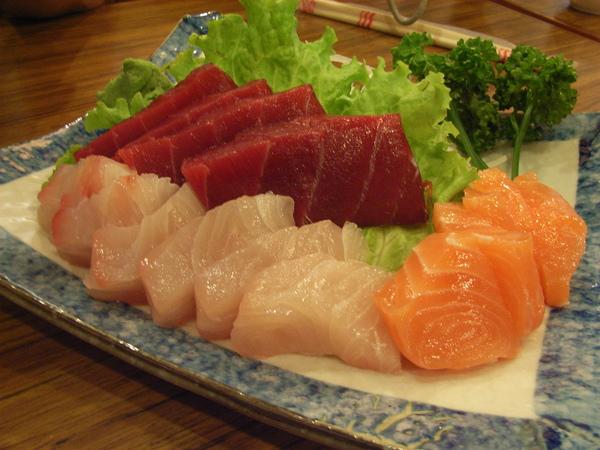 三淡生魚片