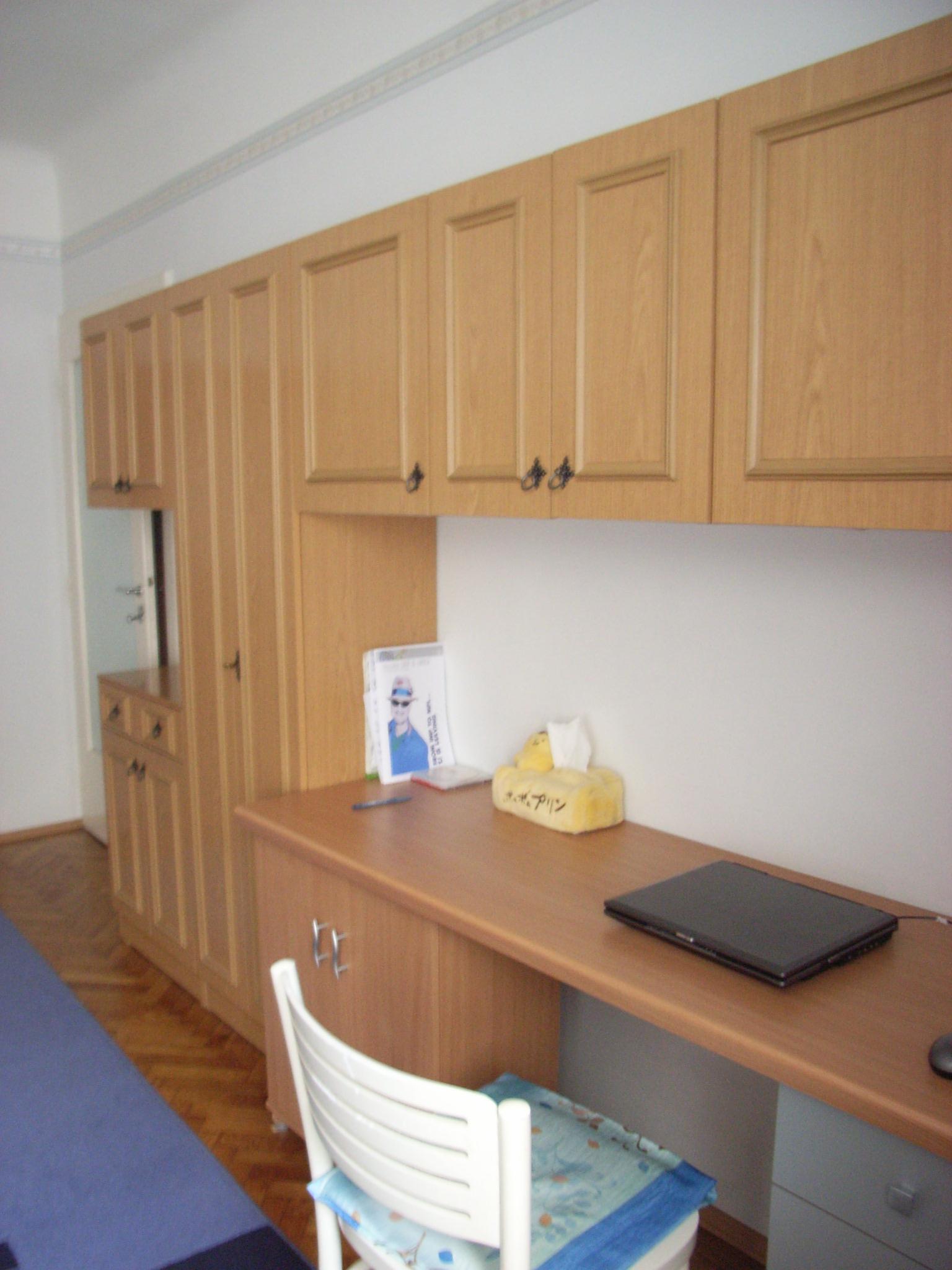 書桌2.JPG