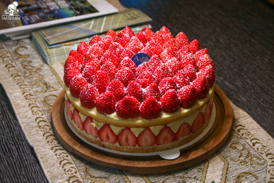 Aluvbe Cakery 艾樂比 可麗露 法式草莓蛋糕 手工甜點 網購 (1 - 40).jpg