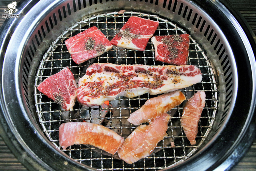 好客燒肉 高雄獨家 南部獨家 新光三越 高雄燒肉 海鮮吃到飽 蝦子吃到飽-0079.jpg
