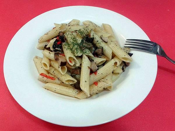 69)穆念慈(蒜辣野菇pasta).jpg