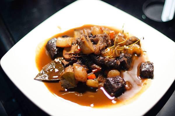 94)蔣評議(紅酒燉牛肉).jpg