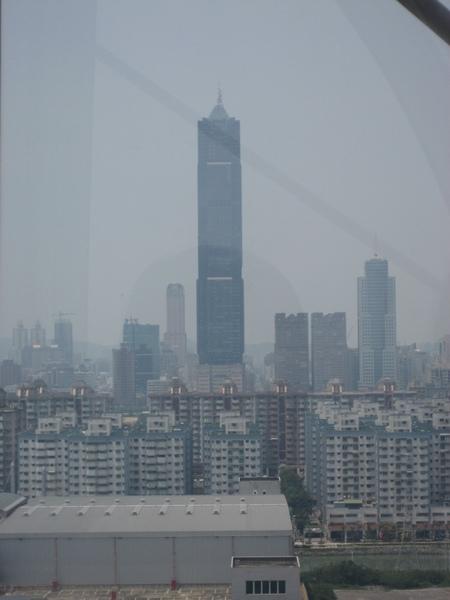 85大樓和漢神