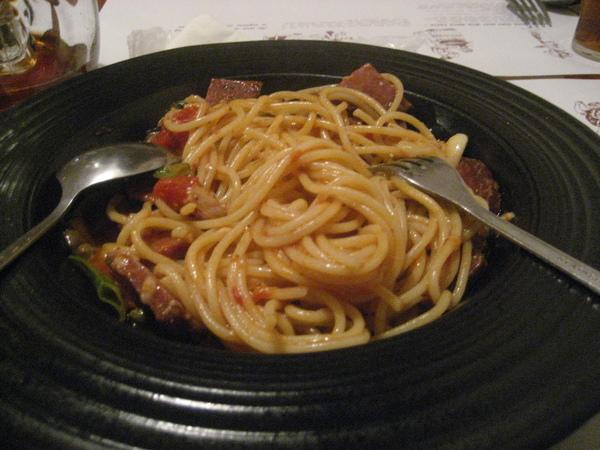 風乾臘腸起司紅醬義大利麵