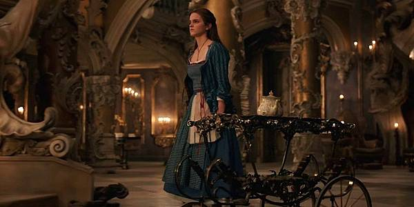 Beauty-and-the-Beast-Trailer06