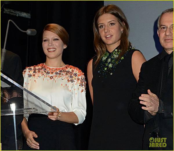 adele-exarchopoulos-lea-seydoux-les-lumieres-awards-05