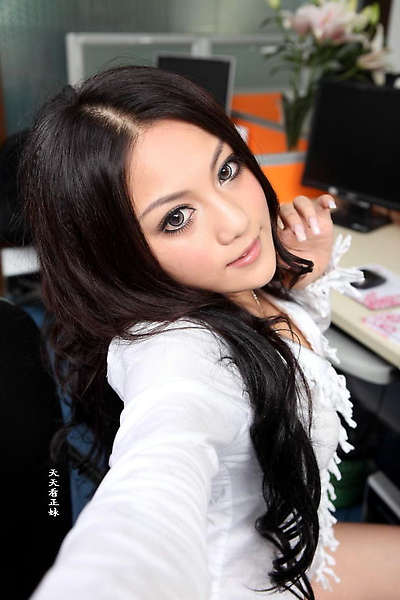Zheng-Yifei-Office-05.jpg