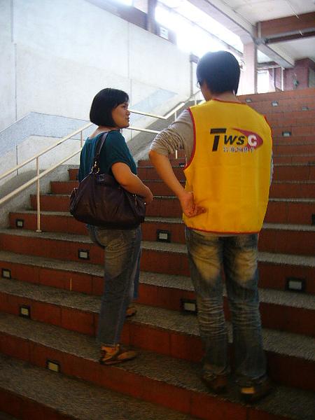 正在問路中,對方覺得我們是馬來西亞人