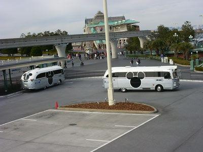 連公車都是米奇的耶!!