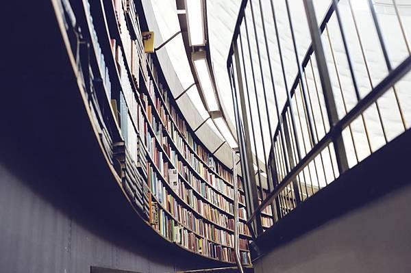 書店女子.jpg